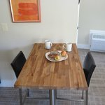  large studio room dining counter