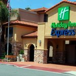  Holiday Inn Express Hotel 1 mile from Sea World San Diego-Exterior