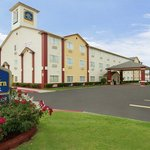 BEST WESTERN PLUS Greentree Inn & Suites Moore