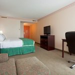 Spacious Non-Smoking King Bed Hotel Room in Appleton WI