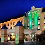 Holiday Inn Hotel & Suites @ Ameristar Nighttime