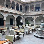  Lobby/Courtyard