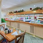 Avenue Cafe' Breakfast Buffet/Holiday Inn Central/White House.