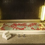  Orchid Suite Infinity Tub