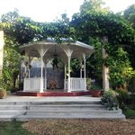 Garden Gazebo great for wedding pics