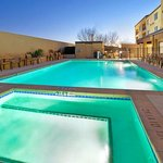Outdoor Pool & Hot Tub