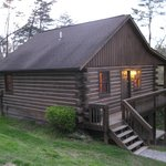 Hemlock Cabin - Exterior