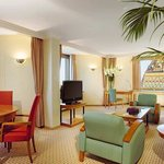  KING DANUBE RIVER SUITE