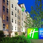 Approaching the Holiday Inn Express & Suites Huntersville Birkdale