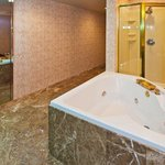  Jacuzzi Suite Bathroom View