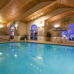 CountryInn&Suites CedarFalls Pool