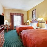 Country Inn & Suites 2 Queen Guest Room