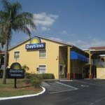  Welcome To The Days Inn Bradenton