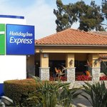 Holiday Inn Express San Diego Rancho Bernardo Hotel Main Entrance