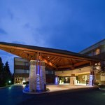 Our Downers Grove Hotel is close to Yorktown and Oakbrook Malls