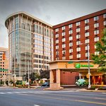 Holiday Inn Arlington at Ballston, Gateway to Washington DC