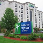  Holiday Inn Express, Bloomington, Exterior