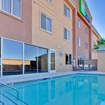  Holiday Inn Express Las Vegas Nellis Swimming Pool