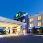 Holiday Inn Express Suites Dillsboro