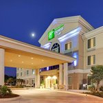Holiday Inn Express Hotel &amp; Suites Porterville