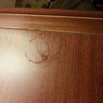 sticky stains on desk upon arrival and thruout stay