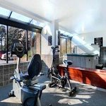  Fitness CenterJacuzziSauna Room