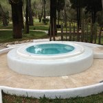  angolo piscina con vasca idromassaggio