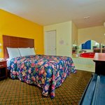  Passport Inn Middletown CT, King bed with Jacuzzi