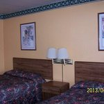  Scottish Inns Troy AL 2 Double beds