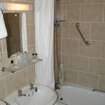 Savoy Hotel, Skegness, bathroom