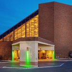  Holiday Inn Toronto Brampton Hotel &amp; Conference Centre