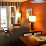 Holiday Inn Osoyoos 2 BDRM Beach Walkout Suite 1 Queen 1 Bunkbed