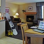 West Kelowna Holiday Inn 2 Bedroom Suite