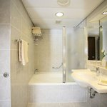 Junior Suite, bathroom