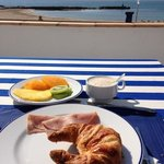  desayuno en la terraza