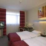  Twin Bed Room iday Inn Express Munich Messe