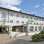 Hotel Main Entrance at Holiday Inn Manchester Airport