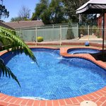 Sundowner Bendigo Golden Reef Motor Inn Pool