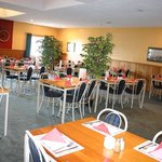  Country Comfort Airport Gateway Hotel - Restaurant