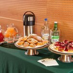  Coffee Break Meeting Room