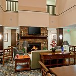 Staybridge Suites Palmdale-Guest Dining Lounge
