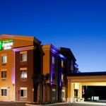 Holiday Inn Express Hotel &amp; Suites Brooksville