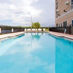  Holiday Inn Airport @ Gulf Coast Town Center Swimming Pool