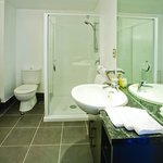  Chifley Suites Auckland - Bathroom 1 Bedroom Suite