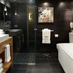  Imagine Suite, bathroom