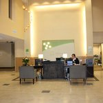 Front Desk Holiday Inn & Suites Surrey