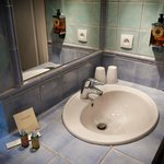 Expansive bathroom with quality inclusions