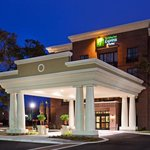  Holiday Inn Express Mt Pleasant Exterior 