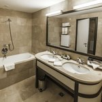 Executive Bathroom at Epoque Hotel Bucharest