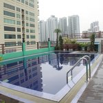  Lovely rooftop swimming pool.